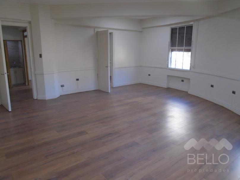 Vende Oficina remodelada 88 m2 Agustinas - Ahumada UF 3.875