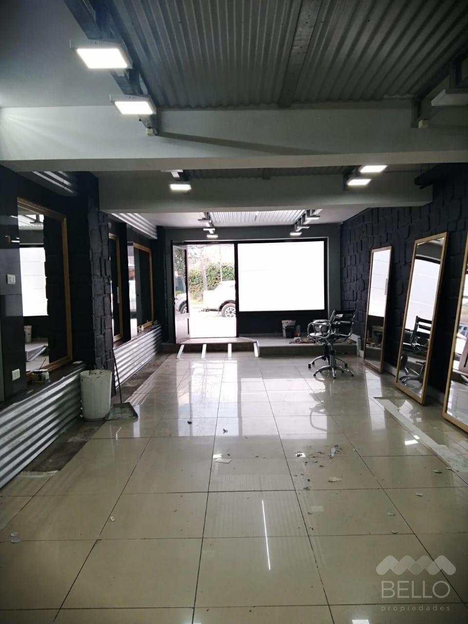 Arriendo local 66 m2 Las Tranqueras - Las Hualtatas
