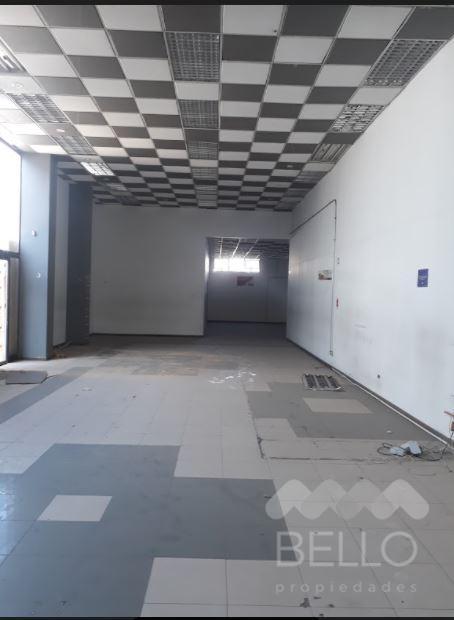 Arriendo Local Habilitado Vic. Mackenna - A. Vespucio 206 m2 UF 120