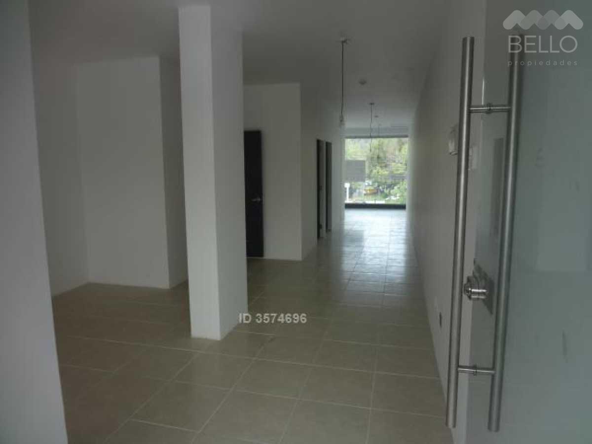 Arrienda Comercial 62 m2  Nva. Costanera - Isabel Montt Vitacura UF  50