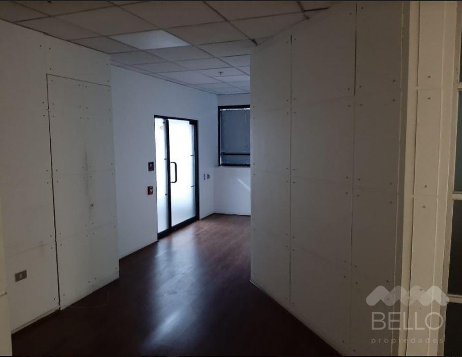 Arriendo Oficina Habilitada Kennedy - Parque Arauco  160 m2 UF 72