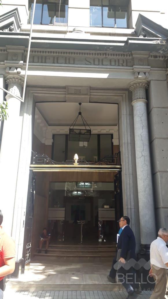 Arriendo Oficina habilitada 888 m2 Bandera- Moneda UF 311 Santiago