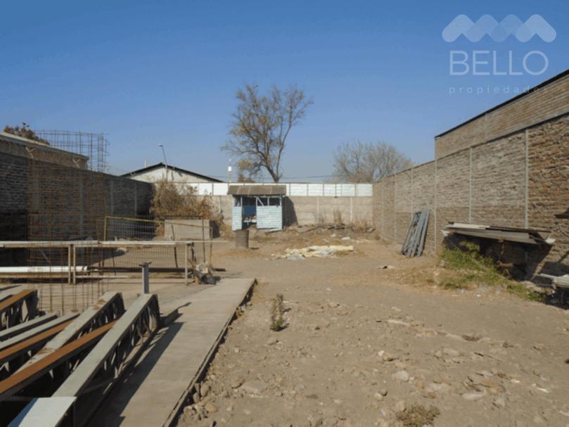 Vende Sitio Industrial 180/900m2 Alvarez deToledo - Sta. Rosa UF 8.200