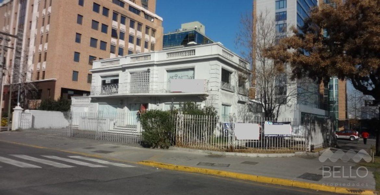 Venta Comercial 251/400 m2 7P/5  Apoquindo  Las Condes UF 43.000
