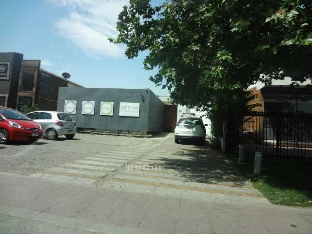 Vende Comercial 200/728 m2 Padre Hurtado Norte - Alto Las Condes UF 44.900
