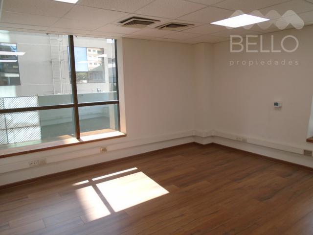 Arriendo oficina 102 m2 4P/3B Metro E. Militar Las Condes