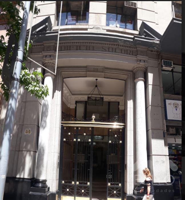 Arriendo oficinas habilitadas Bandera .- Moneda 218 m2 UF 76,3